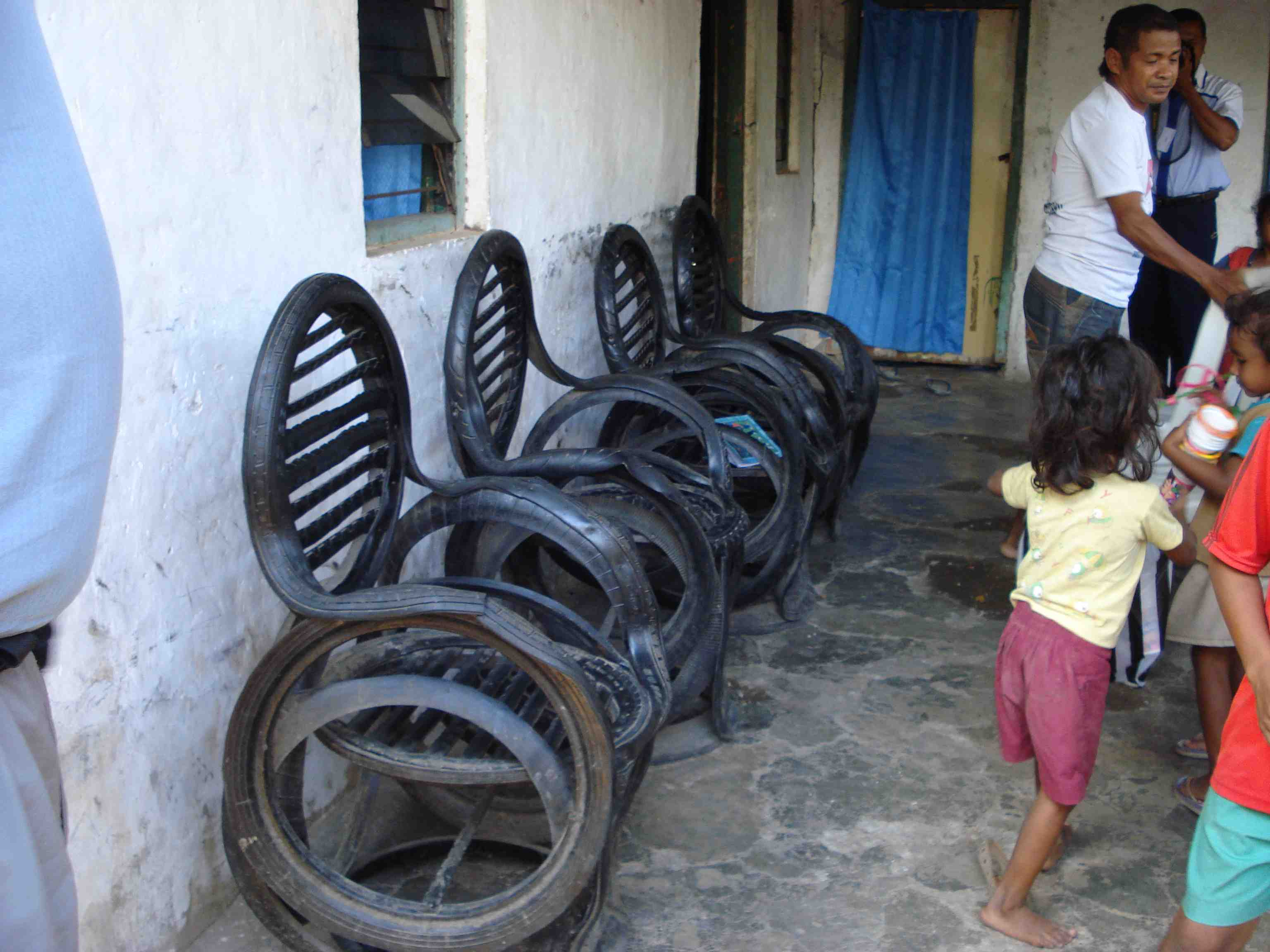 Tire chairs.. resourceful and comfortable!