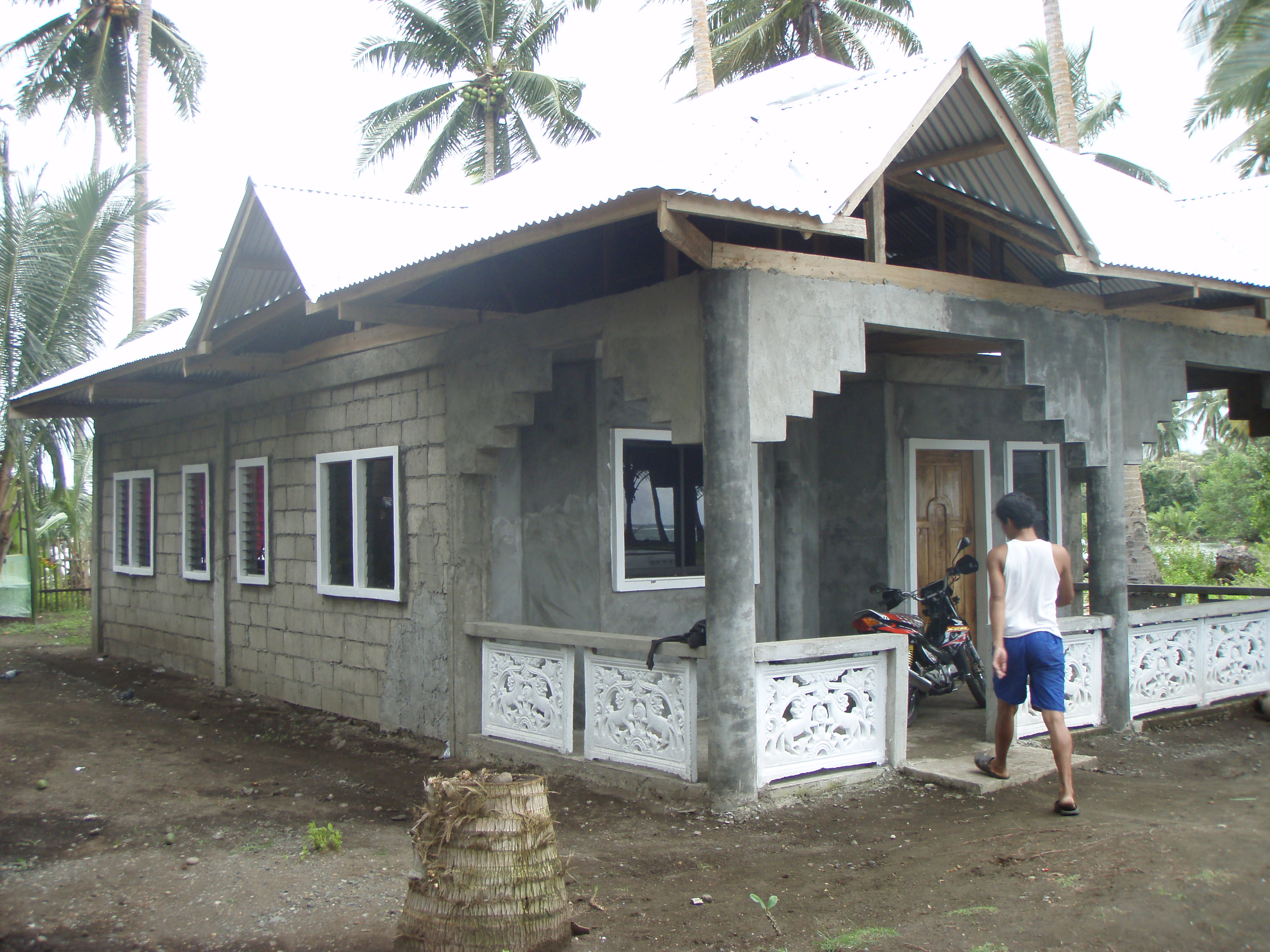 The hundred thousand peso house kiva for Build a house for under 100k